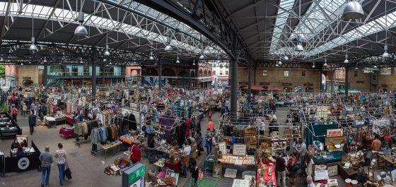 Old_Spitalfields_Market_Panorama,_London,_UK_-_Diliff